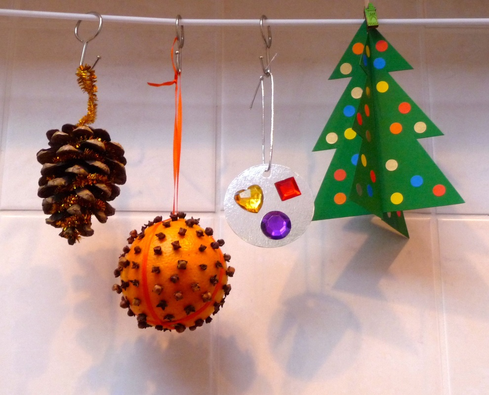 No-mess Christmas crafts: 3D tree, pomander, tinsel pine cone